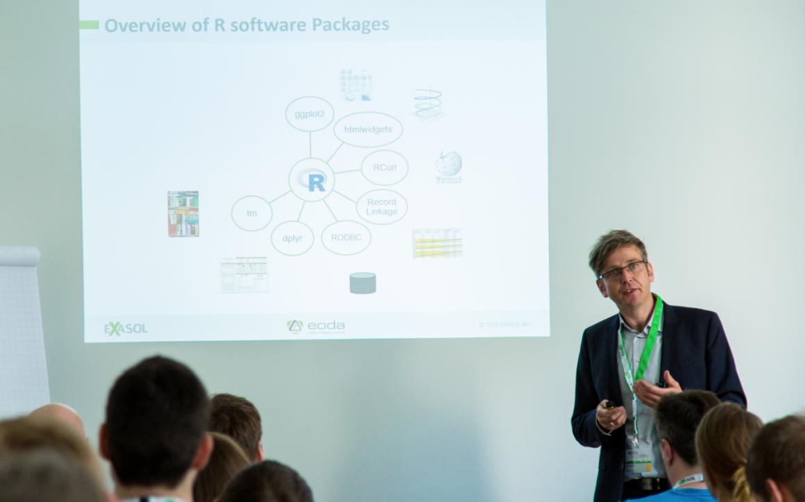 Präsentation von eoda Chief Data Scientist Oliver Bracht auf der EXASOL Xperience 2016