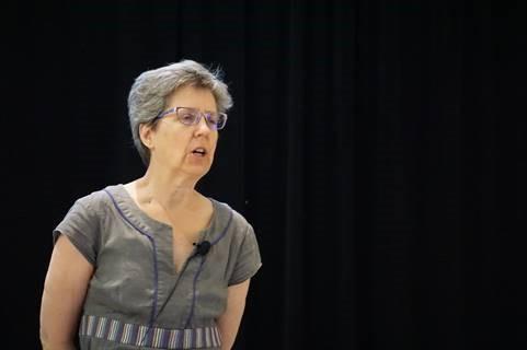 Deborah Nolan während ihrer Keynote zur Lehre von Statistik und Data Science