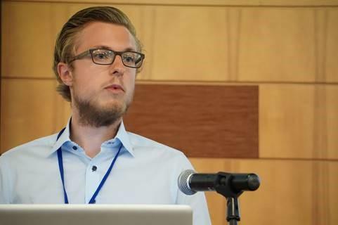 Stefan Feuerriegel mit einem Vortrag zum Thema Sentiment Analyse