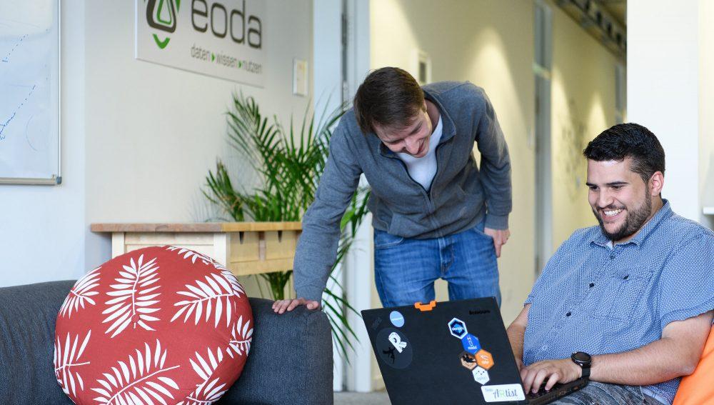 Softwareentwickler von eoda bei der Arbeit
