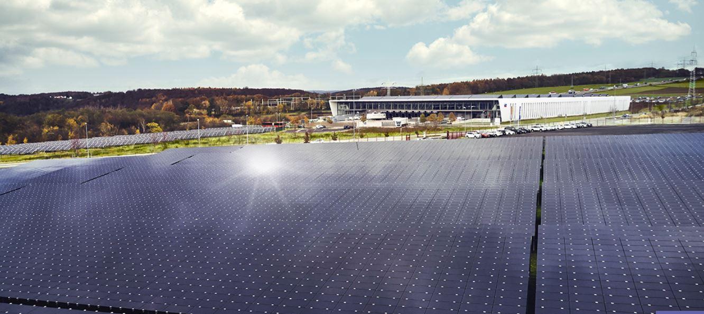 Solaranlage mit Produktionsstätte